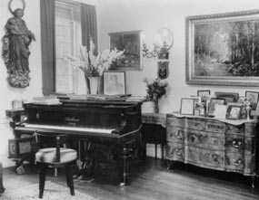the life and musical career of gustav mahler in new york Gustav mahler biography - tragic life, lavish music  he was prosperous enough to support gustav's early musical career  and visited new york frequently towards .